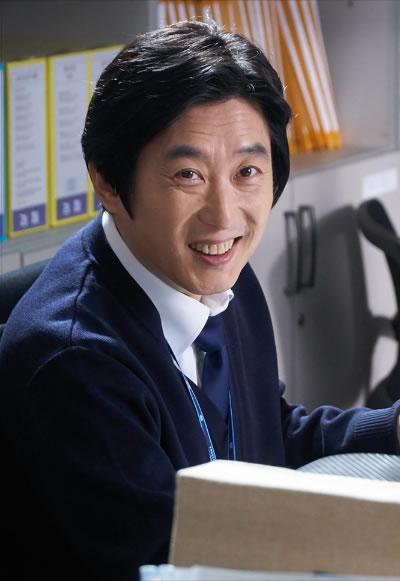 チェ係長(演:キム・ウォネ)